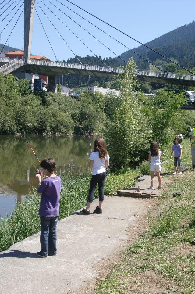 Escuela Pesca Abusu .j